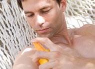 4 reasons to skip spray sunscreens