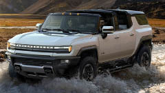Preview: 2022 GMC Hummer EV Turns an Off-Road Legend Into a Green Machine